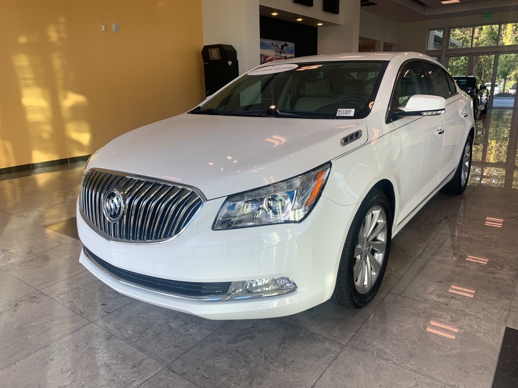 Pre-Owned 2016 Buick LaCrosse Premium I Group