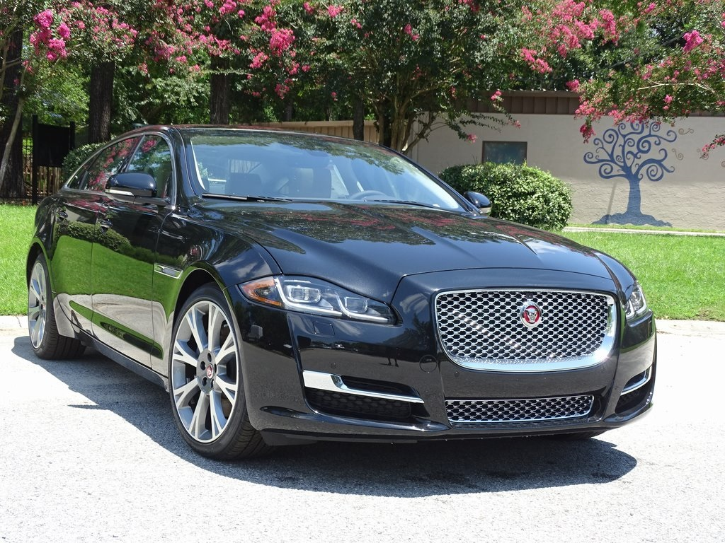 new 2018 jaguar xj xjl portfolio 4d sedan in charleston. Black Bedroom Furniture Sets. Home Design Ideas
